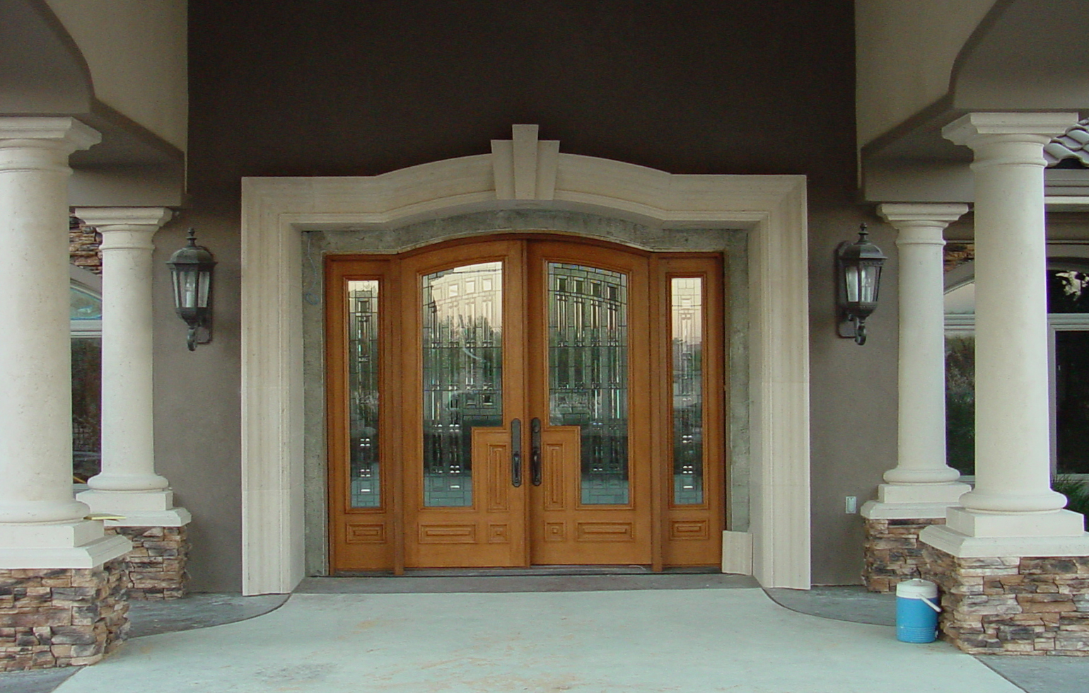 ADD INSTANT HOME VALUE–REMODEL YOUR FRONT ENTRYWAY | carmellalvpr